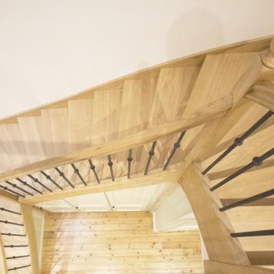 Escalier intérieur chêne ciré