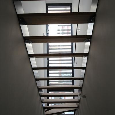 Cage-d'escalier métal et bois