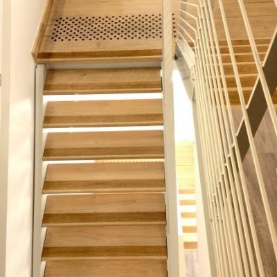 Escalier  d'équipement sur mesure