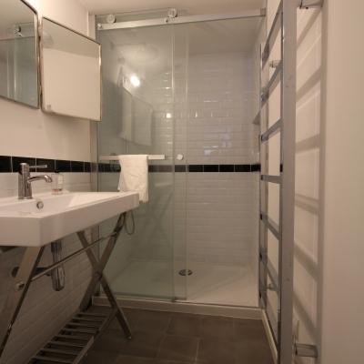 Cabine de douche à paroi coulissante