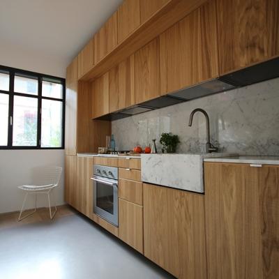 Le mobilier de cuisine et son timbre en marbre